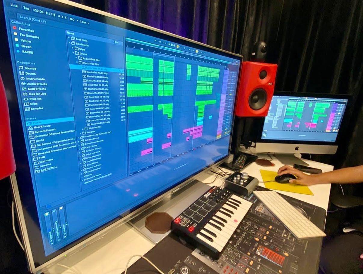 https://ministryofdjs.com.sg/wp-content/uploads/2021/06/Basic-Music-Production.jpg